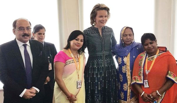 Koningin Mathilde bezocht Fusion Microfinance in India, een onderneming gefinancierd door Incofin.